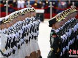 女仪仗队员首次受阅