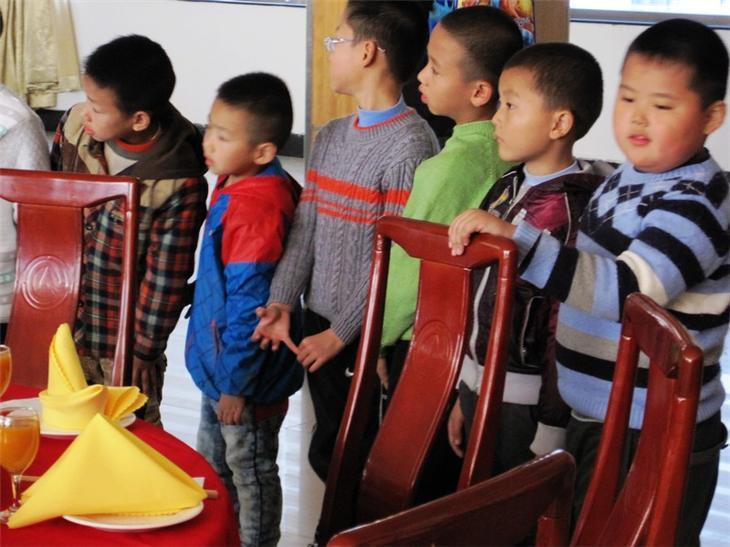 家长进课堂之儿童餐桌礼仪28