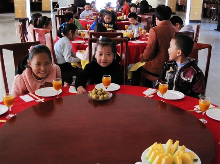 家长进课堂之儿童餐桌礼仪50